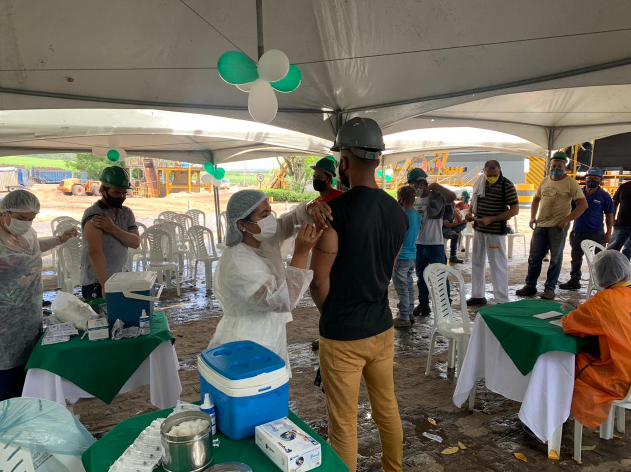 Secretaria de Saúde de Mamanguape realiza ação de vacinação para trabalhadores da Usina Monte Alegre